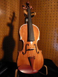 violinw.jpg